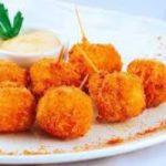 Рецепт горячей закуски: моцарелла во фритюре с сырным соусом