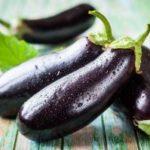 Как приготовить витаминный салат из баклажанов